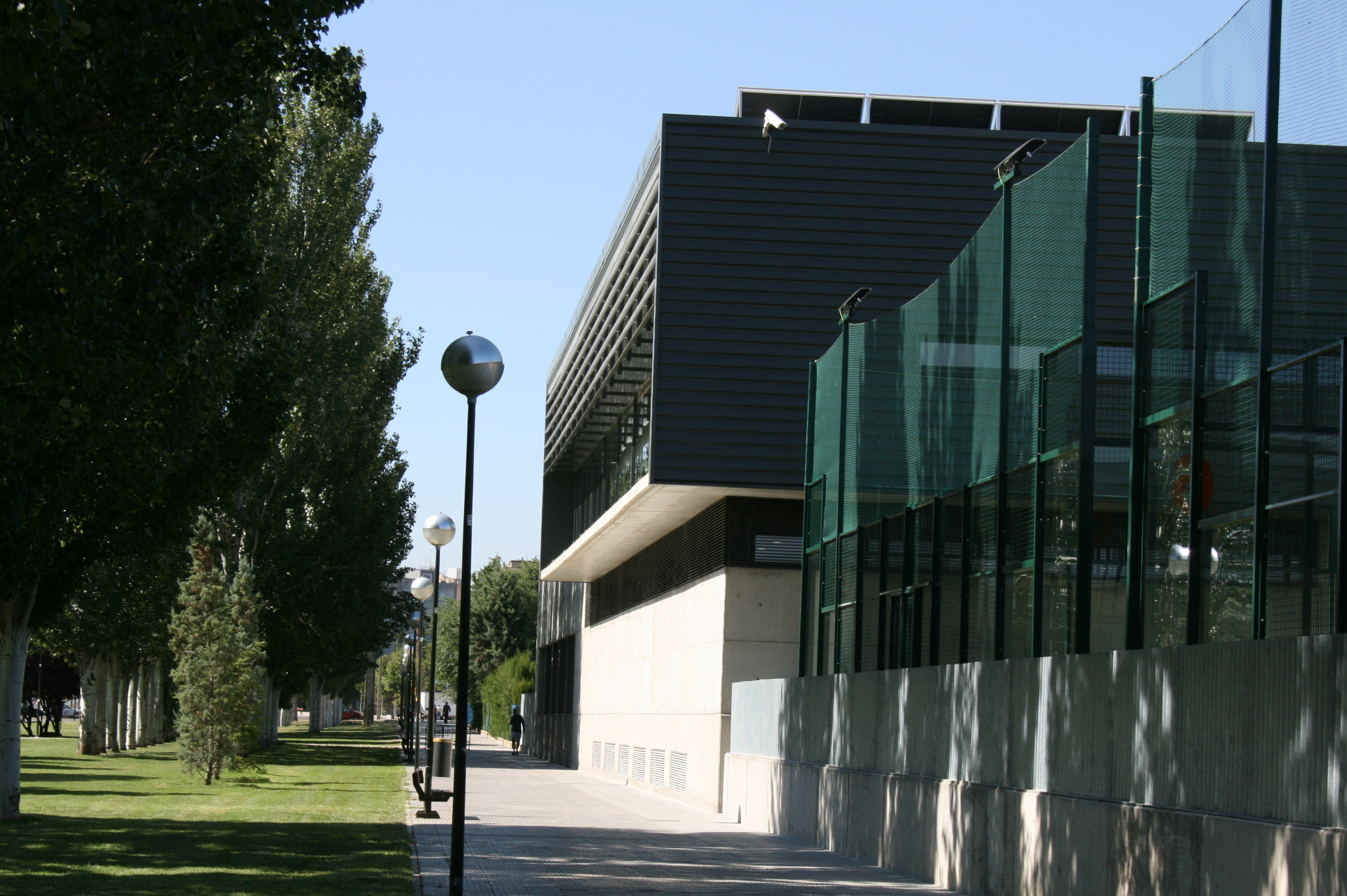 SPORTS AND WELLNESS CENTRE IN ZARAGOZA