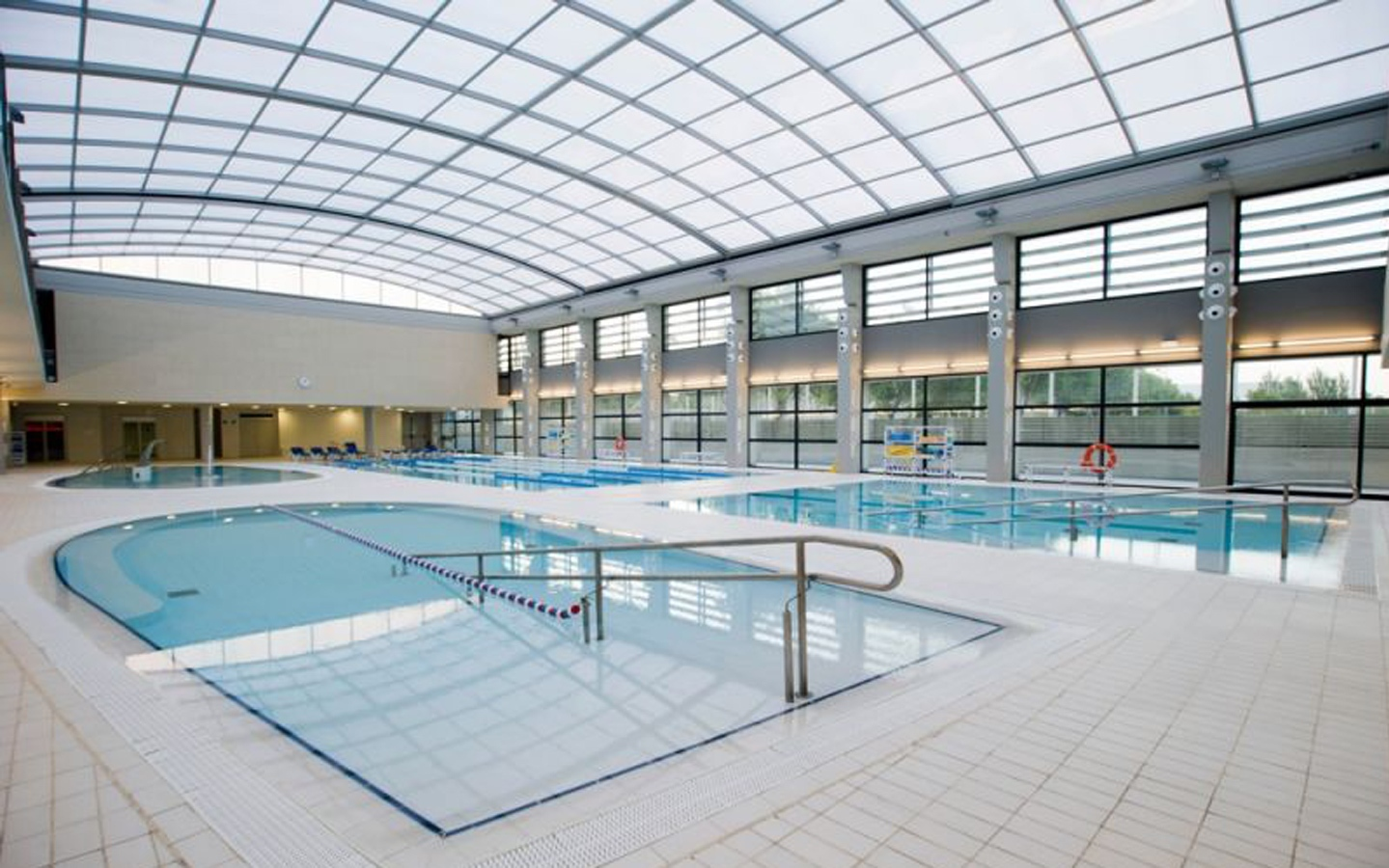 ESTRUCH INDOOR POOL